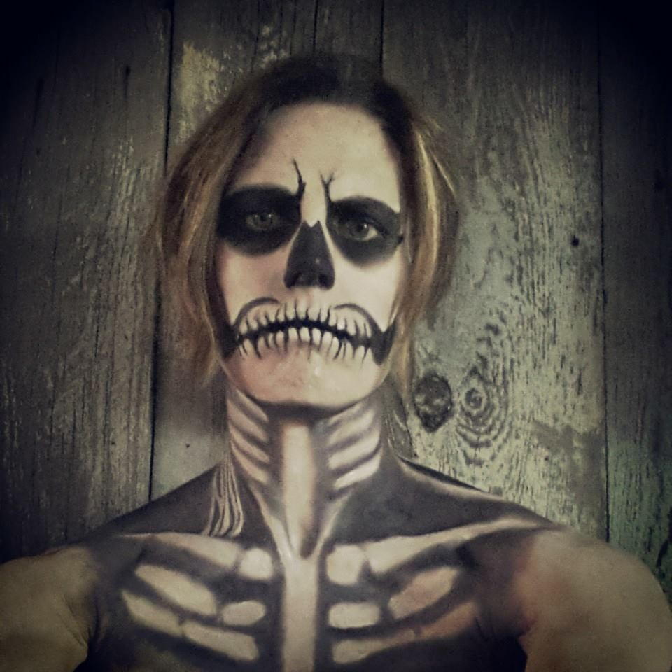 halloween skeleton look; halloween makeup, skull, skeleton costume