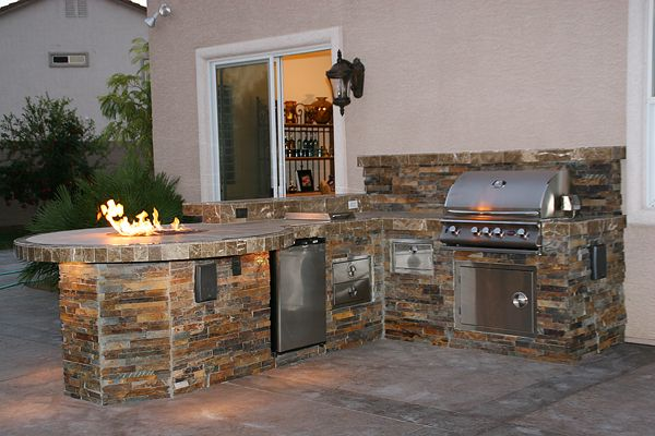 Outdoor fireplaces las vegas custom outdoor kitchen for Outdoor grill island ideas
