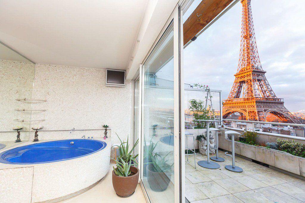 Bonjour Eiffel 5 Airbnb In Paris With Tower Views Trip101