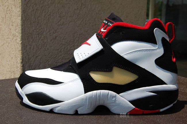 ab4cc8a8aa2 Nike Air Diamond Turf