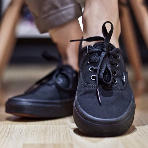 vans all black authentics