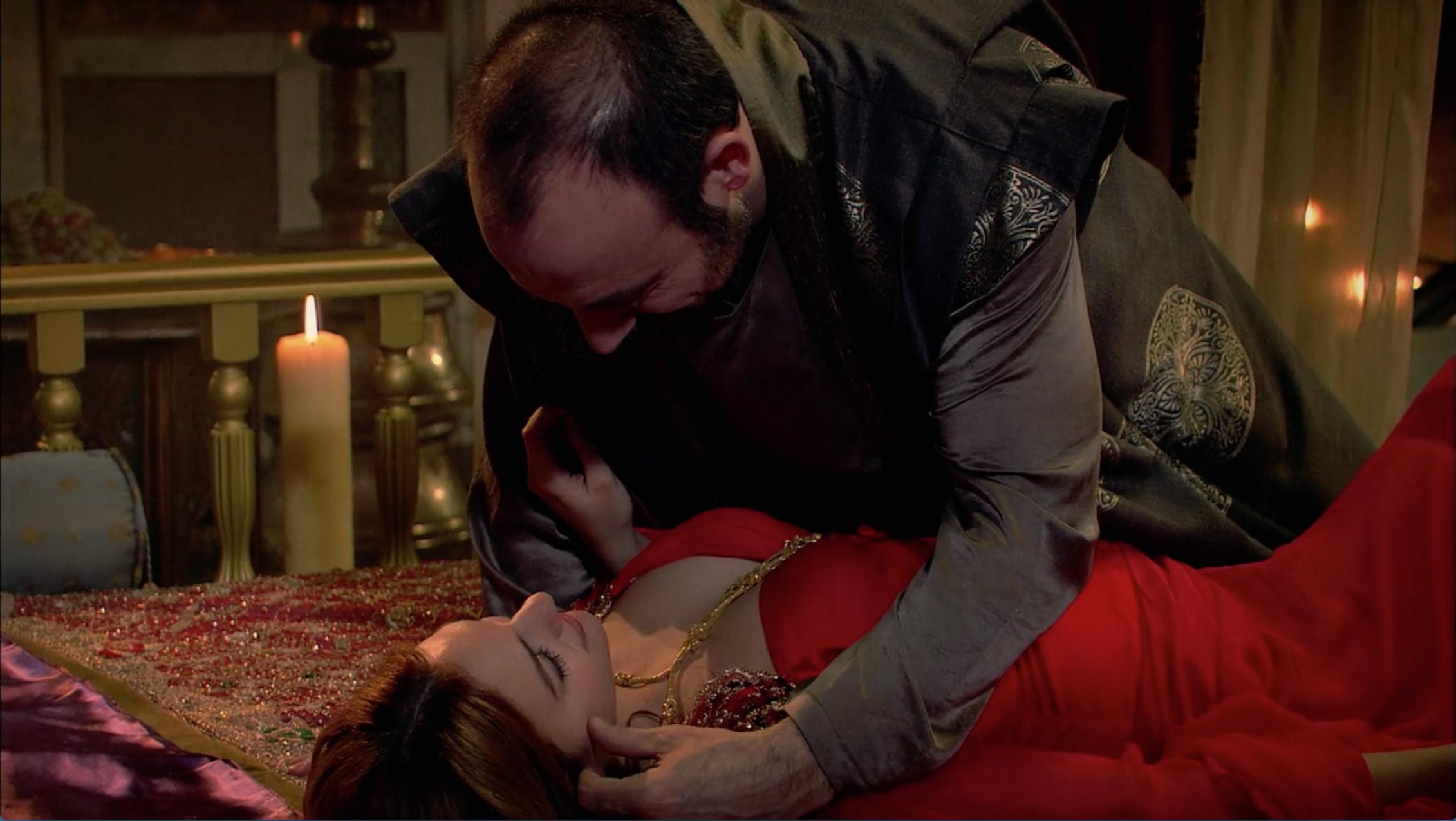 """The Concubine Hurrem"" Season 1, episode 2 Covet fashion"