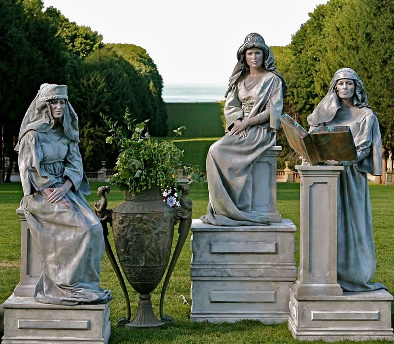 living statues art smash party entertainment new york trio of white street performer. Black Bedroom Furniture Sets. Home Design Ideas