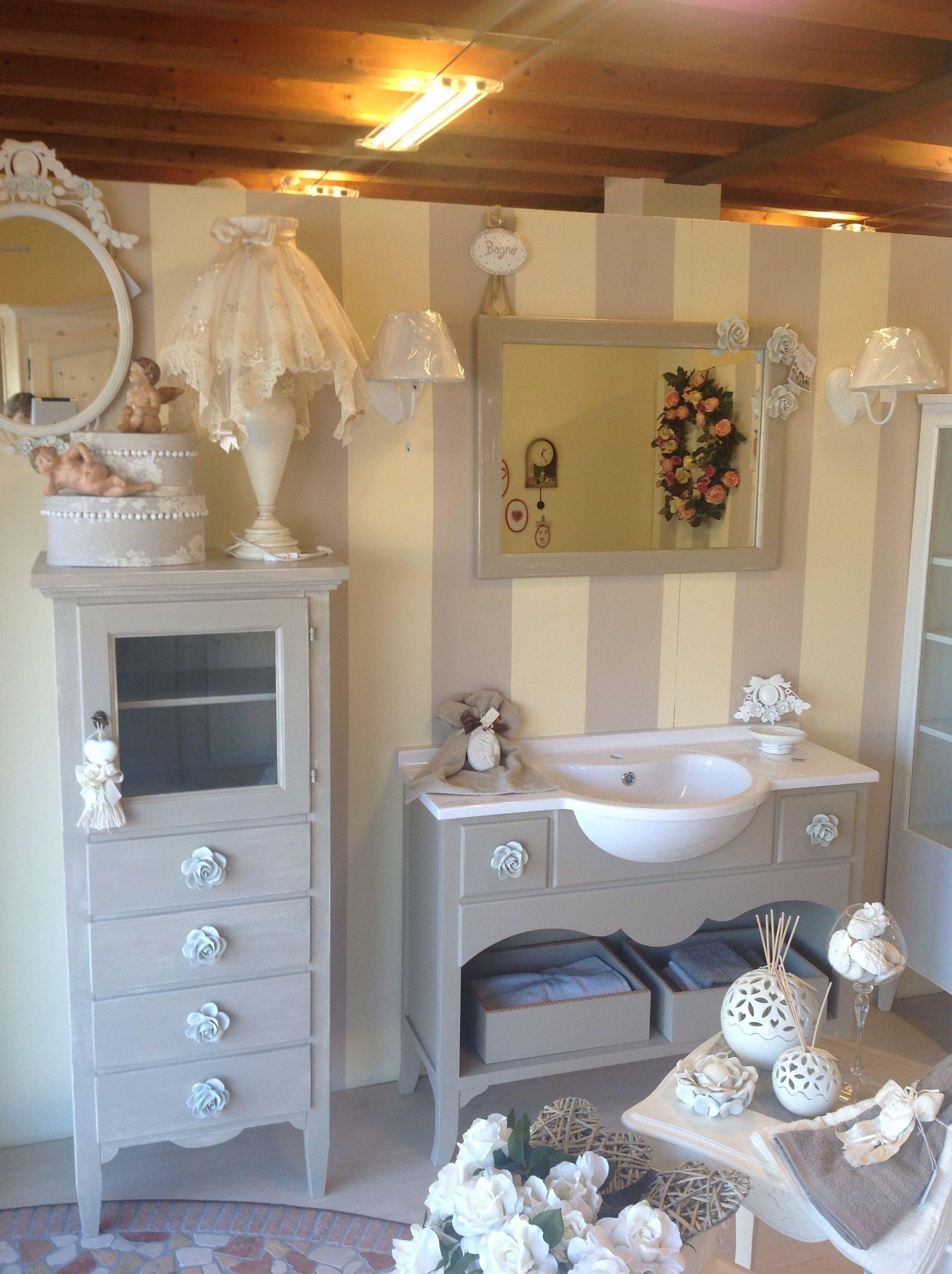 Piastrelle per bagno stile shabby attraente mobili da bagno