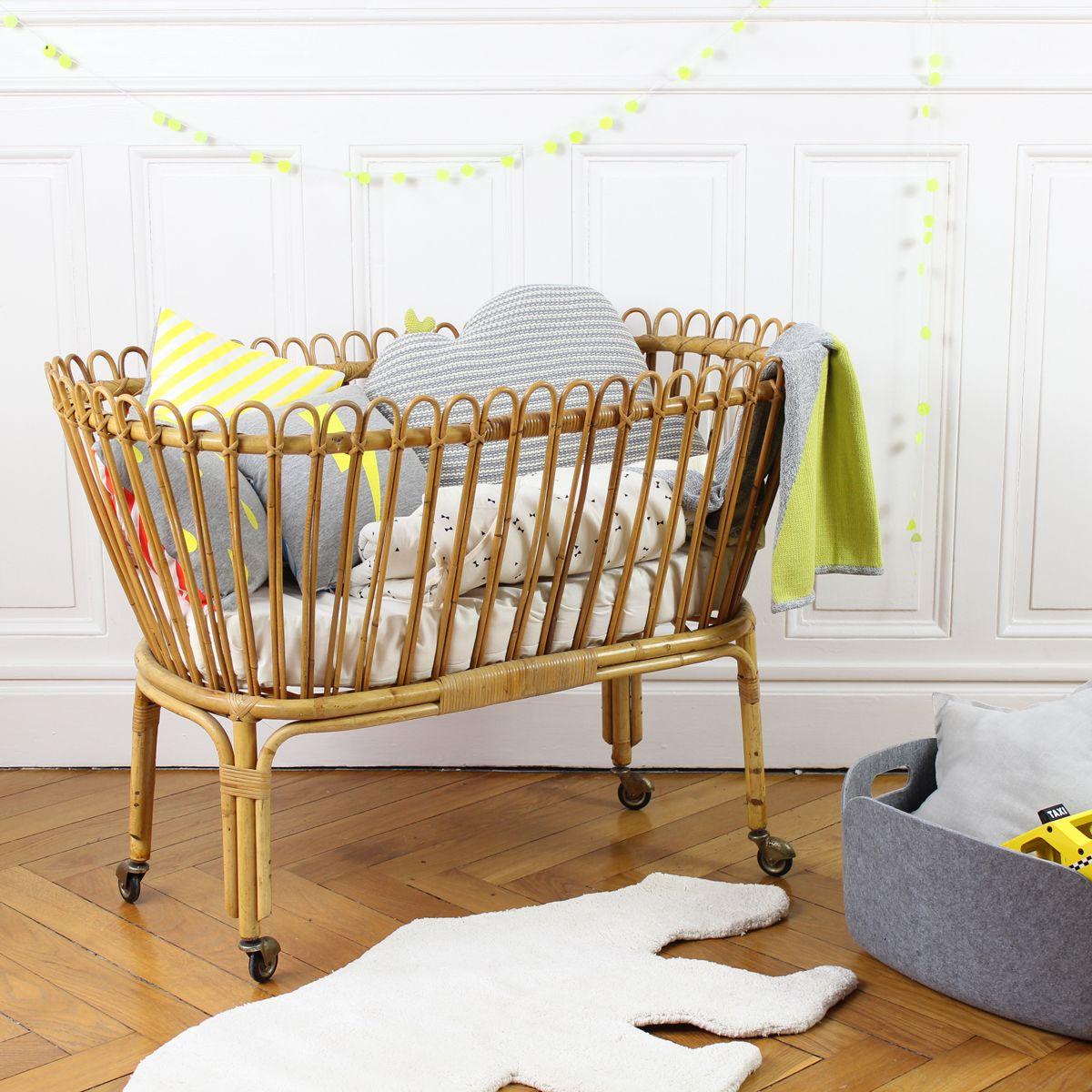 8 id es originales pour d corer la chambre de b b drolesdemums chambre b b mat riaux. Black Bedroom Furniture Sets. Home Design Ideas