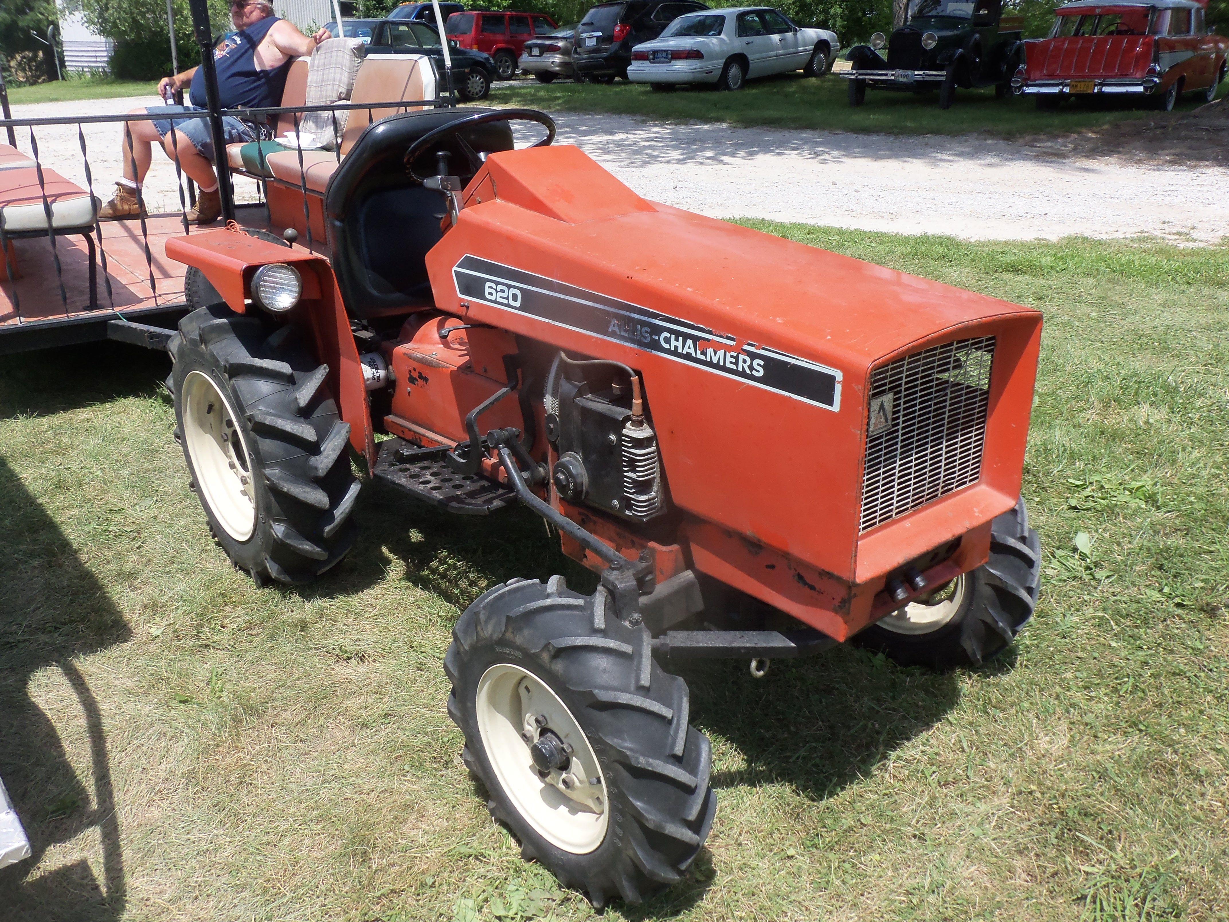 Allis CHalmers 620 garden tractor Small Tractors, Lawn Tractors, Old  Tractors, Cub Cadet
