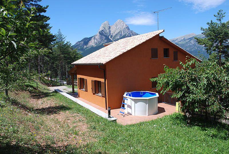 Casa rural con vistas espectaculares sobre el pedraforca y el cad casas rurales barcelona - Casas rurales bcn ...