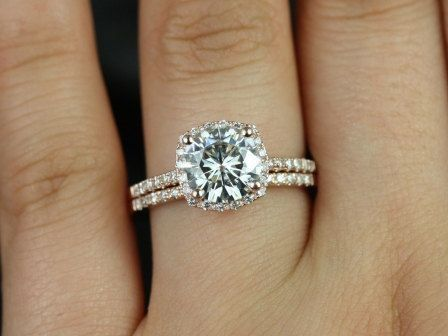 Gorgeous Ring With A Small Halo Halo Diamond Wedding Set Diamond Wedding Sets Wedding Rings Engagement