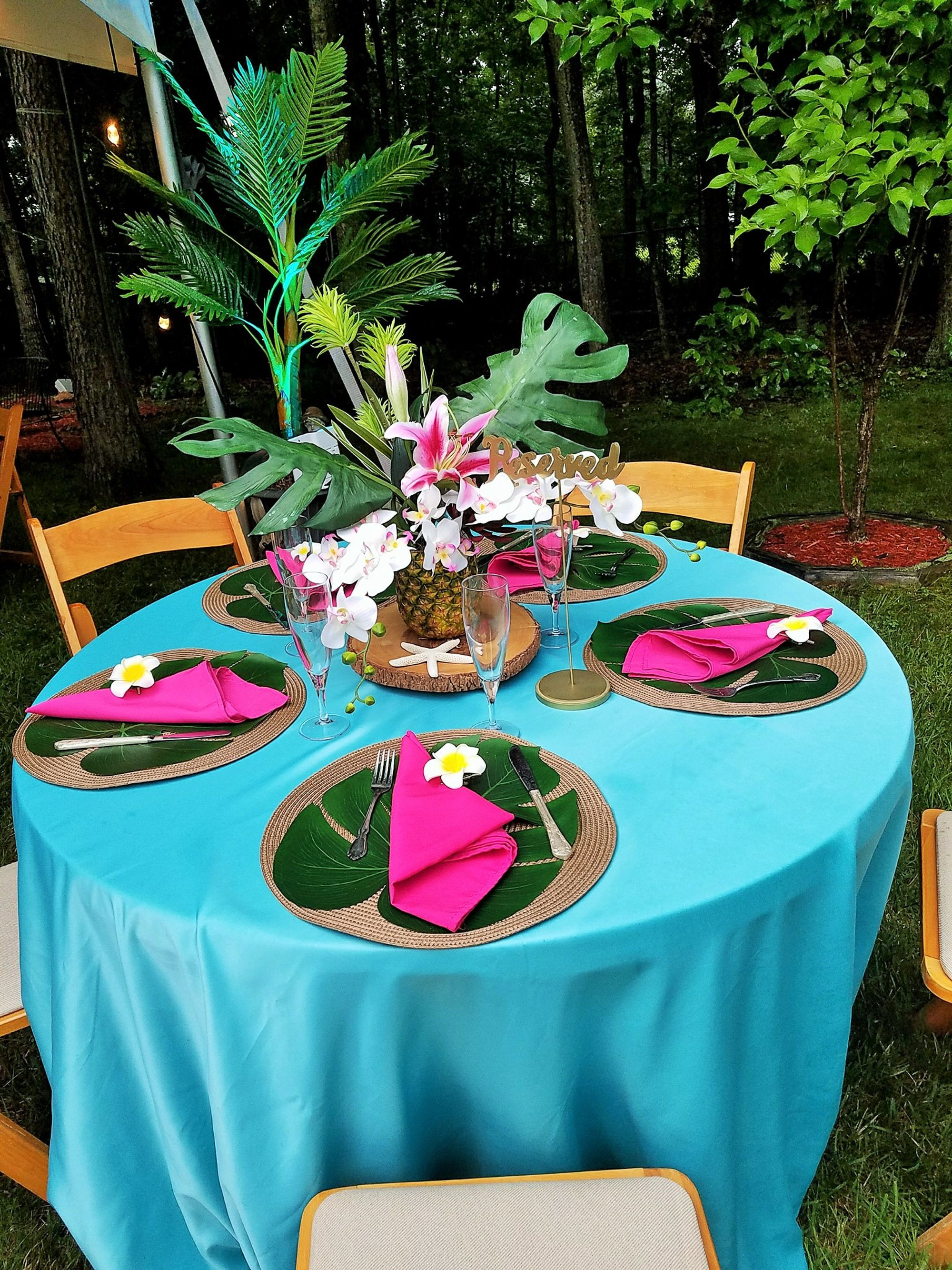 Table Decor For Quinceanera With Hawaiian Theme Hawaiian Party Decorations Hawaiian Theme Hawaiian Luau Party