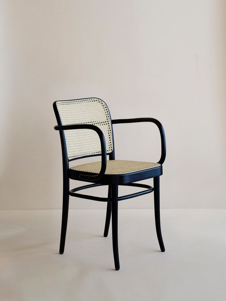 The Armchair Inspired By A Model From 1930 By Josef Hoffmann Blends His Interest In Art Nouveau And Simple Shapes Mobeldesign Bauhaus Mobel Inneneinrichtung