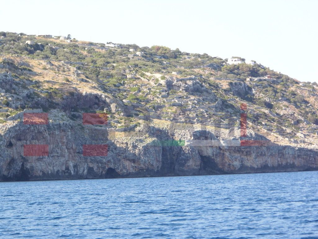 SANTA MARIA DI LEUCA litoranea Adriatica, a 3 km da Leuca direttamente sulla scogliera, a picco sul mare. Terreno di mq 73.200,  Su tale terreno insistono 33 pajare, di cui qualcuna con due e tre vani./ SANTA MARIA DI LEUCA Adriatic coast , 3 km from Leuca directly on the cliffs , overlooking the sea . Land  of 73.200 square metres, 33 trulli insist on that land , stacked. http://www.damicoimmobiliare.it
