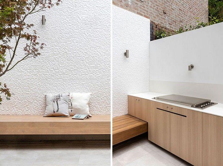 cuisine bois moderne, banc assorti, coussins décoratifs et peinture