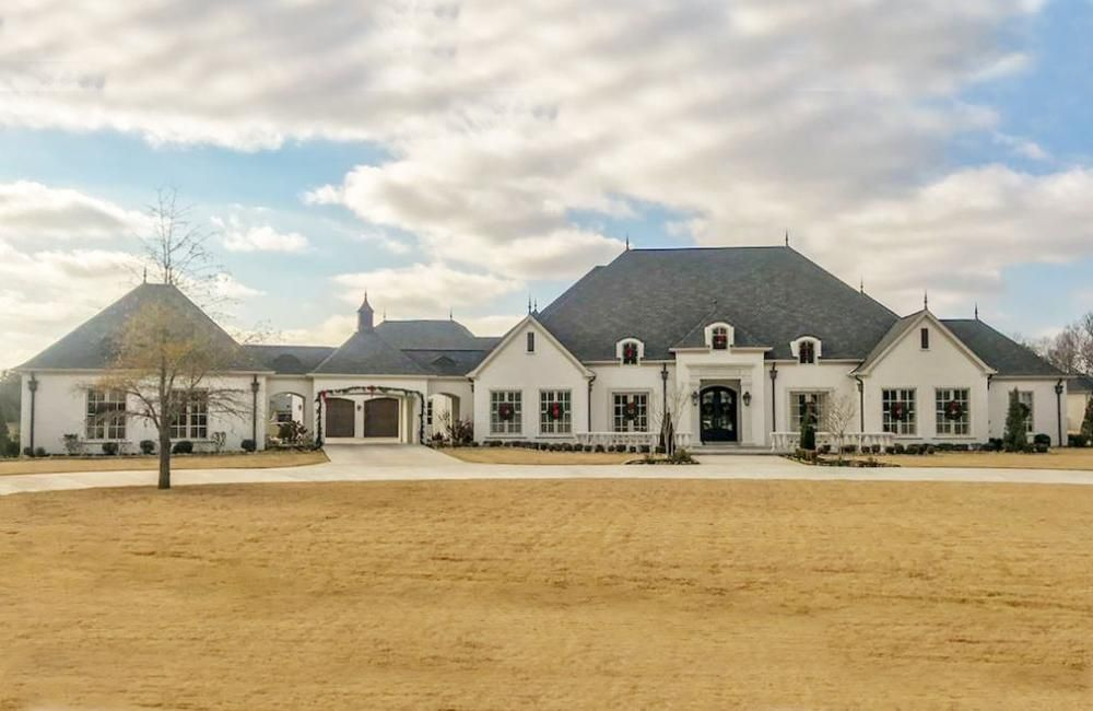 House Plan 8318 00082 European Plan 5 695 Square Feet 5 Bedrooms 6 Bathrooms European House Brick Exterior House French Country House Plans
