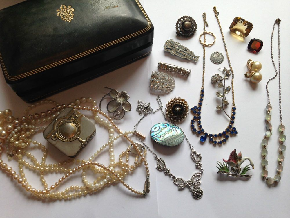 Costume Jewellery Job Lot Costume Jewellery In Box