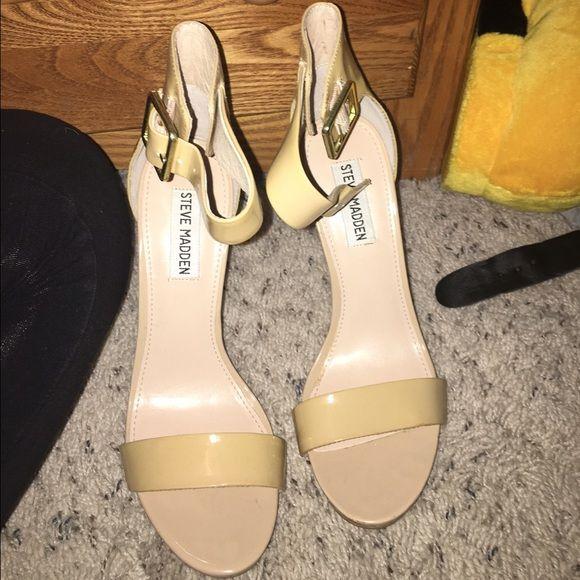 Steve Madden Heels Perfect heels for spring/summer! Worn only inside Steve Madden Shoes Heels