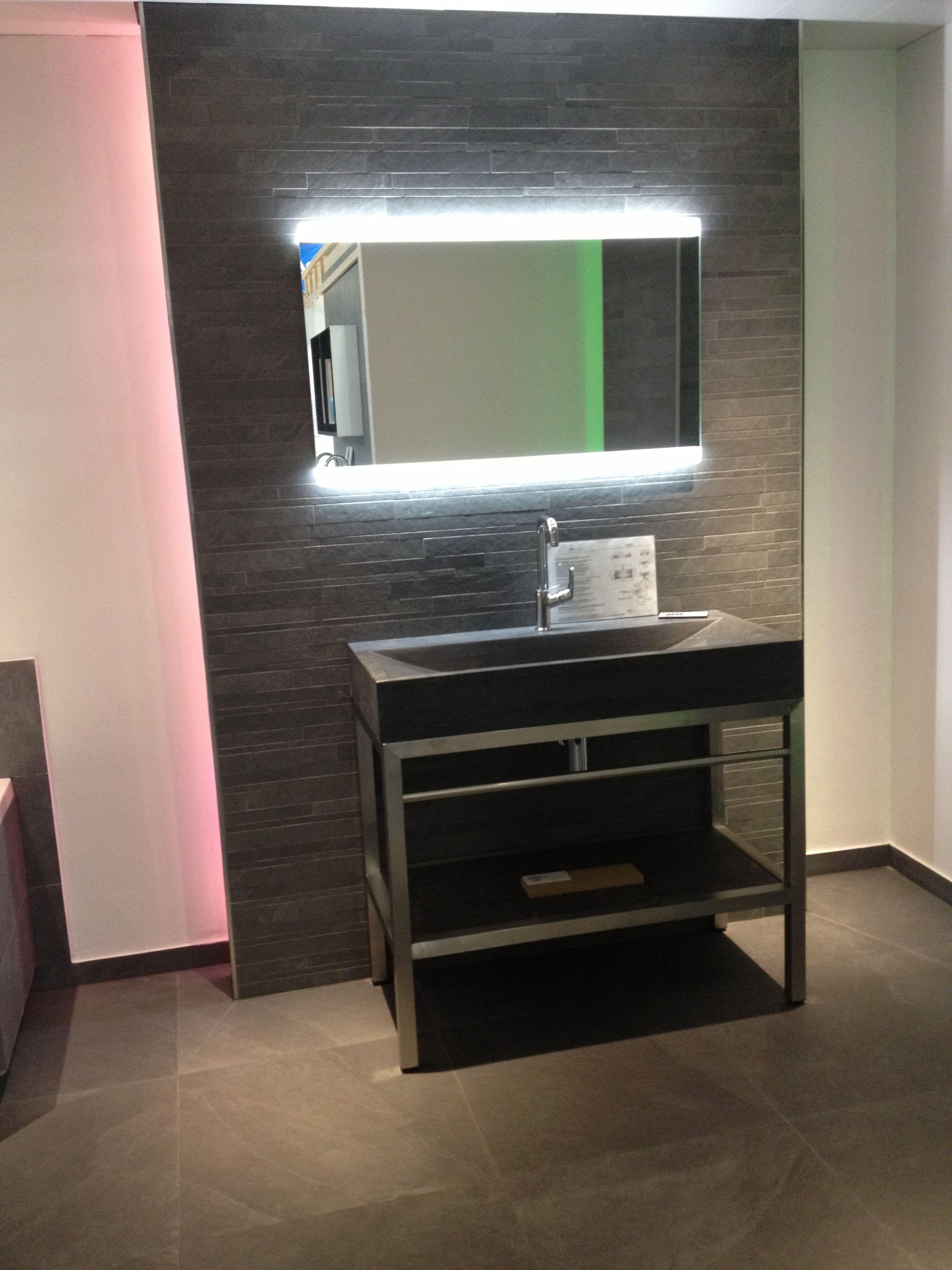 fliesen in natursteinoptik xl style ardosia grigio mit mosaik an der wand spiegel mit. Black Bedroom Furniture Sets. Home Design Ideas