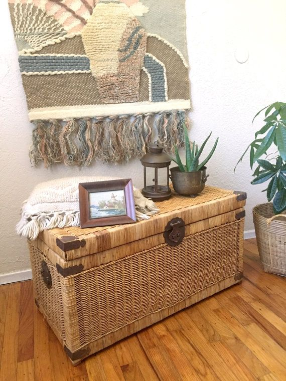 Large Vintage Wicker Rattan Storage Chest / Trunk / Bench / Coffee Table