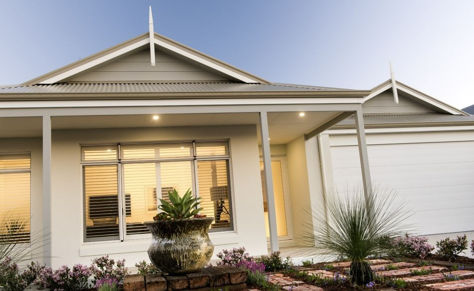 Front Elevation Of Verandah : Traditional elevation with rendered facade feature gables