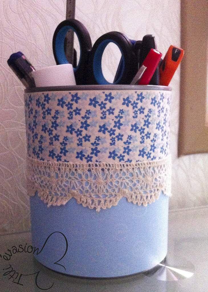 recyclage boite de conserve en un pot crayon tins jars pots pinterest decoupage crayons. Black Bedroom Furniture Sets. Home Design Ideas