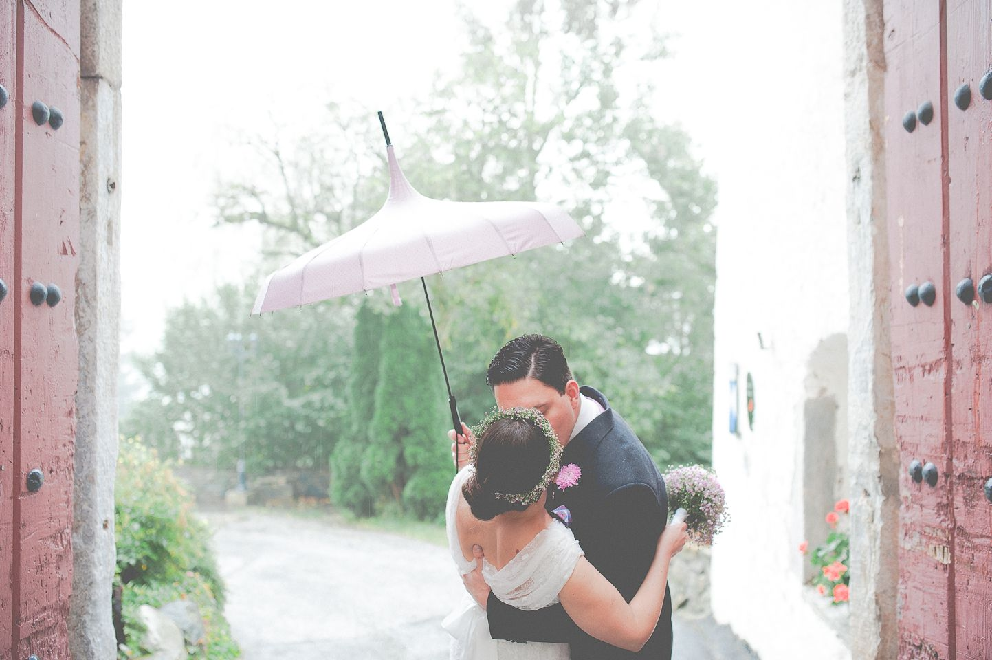 Rainy wedding day?! No problem!