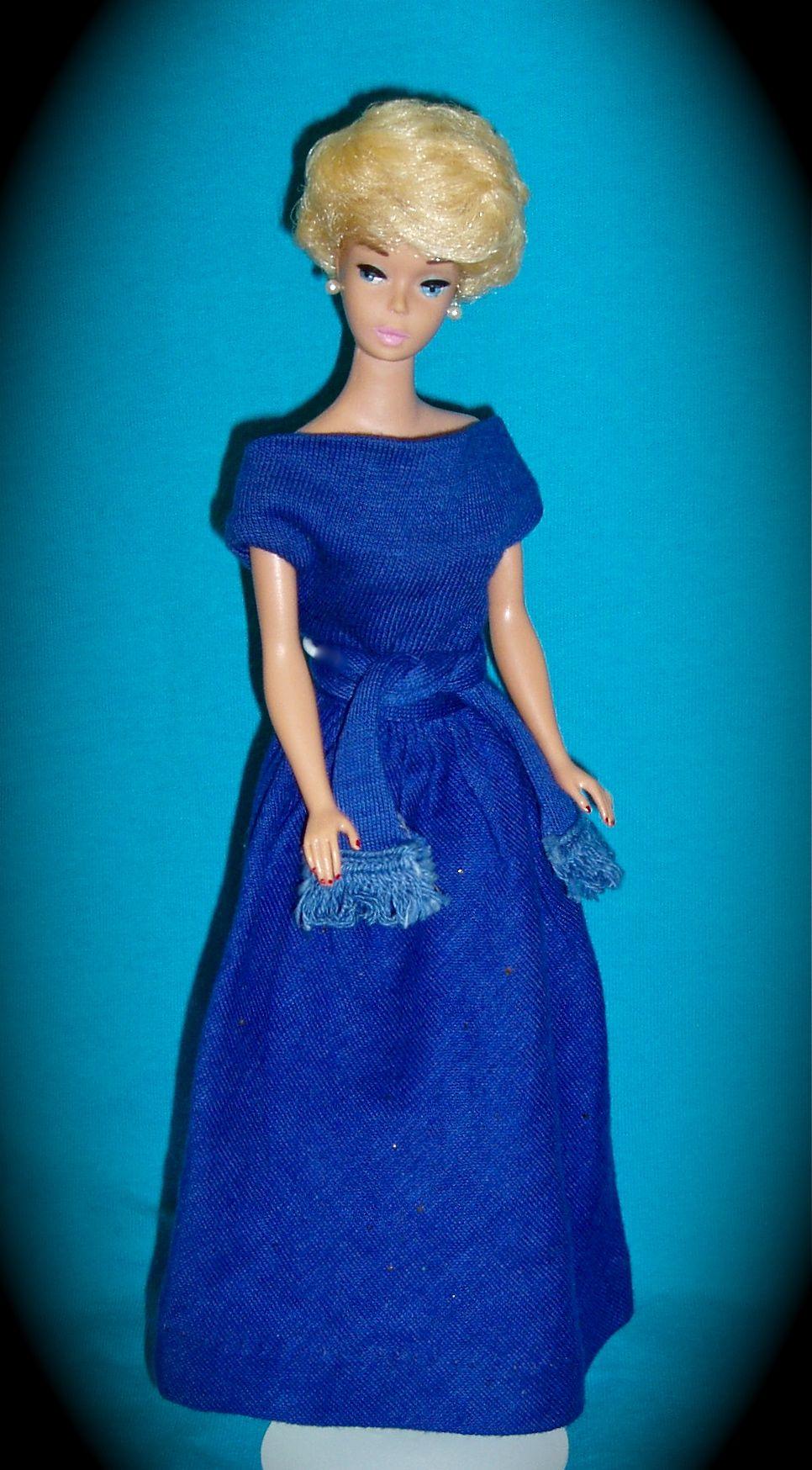 Bubble Cut Barbie In Her Blue Cotton Pak Set