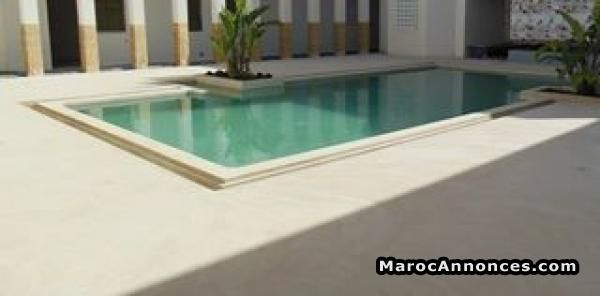 Votre revêtement de piscine en béton ciré  Services Divers