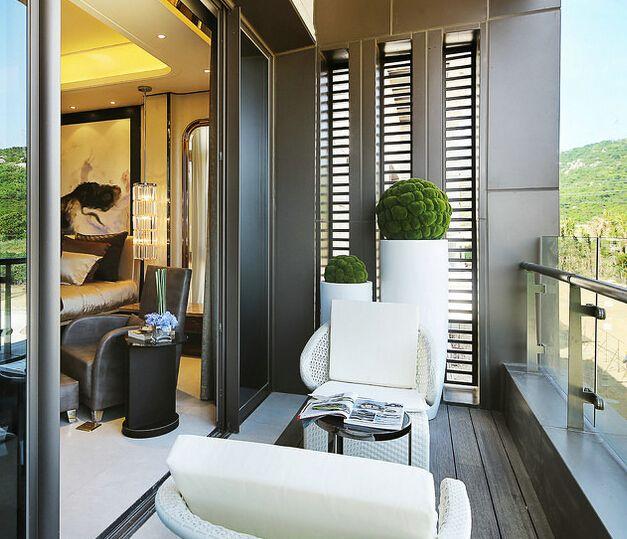 Modern Luxury Balcony Design