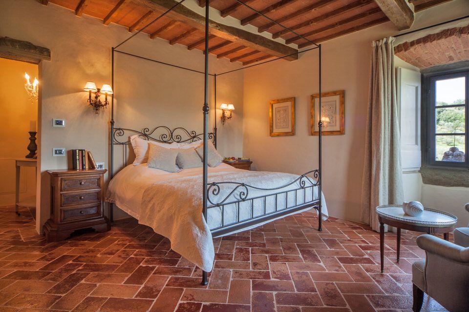 Sleeping for The Villa in Cortona, Tuscany
