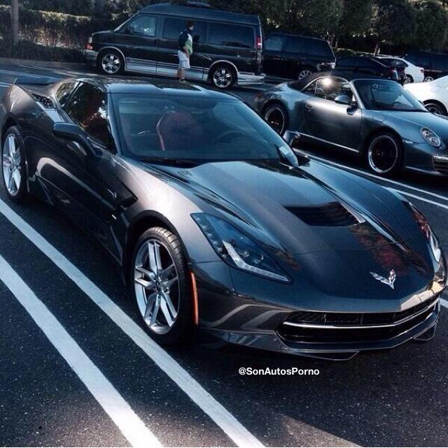 RT @SonAutosPorno: Lo más sexi del mundo es... un Corvette.
