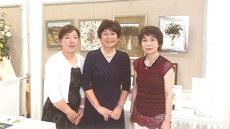 (c) Tomoko Iwahashi Pressed Flower Class / IFF