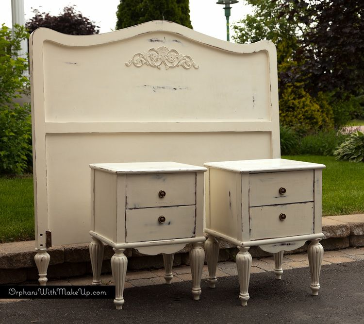 Shabby Chic Bedroom Set painted with Annie Sloan Chalk Paint in