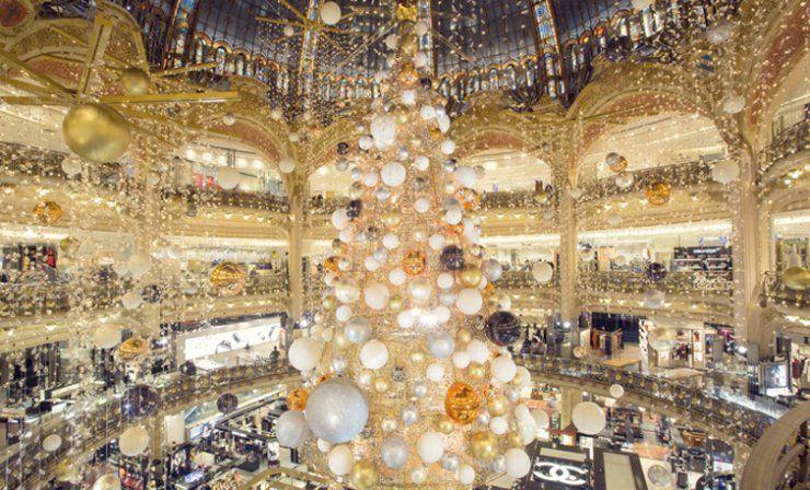 Vitrines De Noel 2015 Aux Galeries Lafayette Vitrine Noel Sapin De Noel Noel