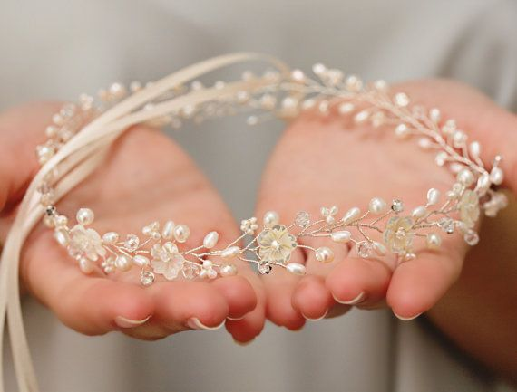 Bridal Freshwater Pearl, Handcarved Mother of Pearl Flower and Rhinestone head band, Halo Headpiece, Crown Bridal Hair Fascinator Accessory #brautblume