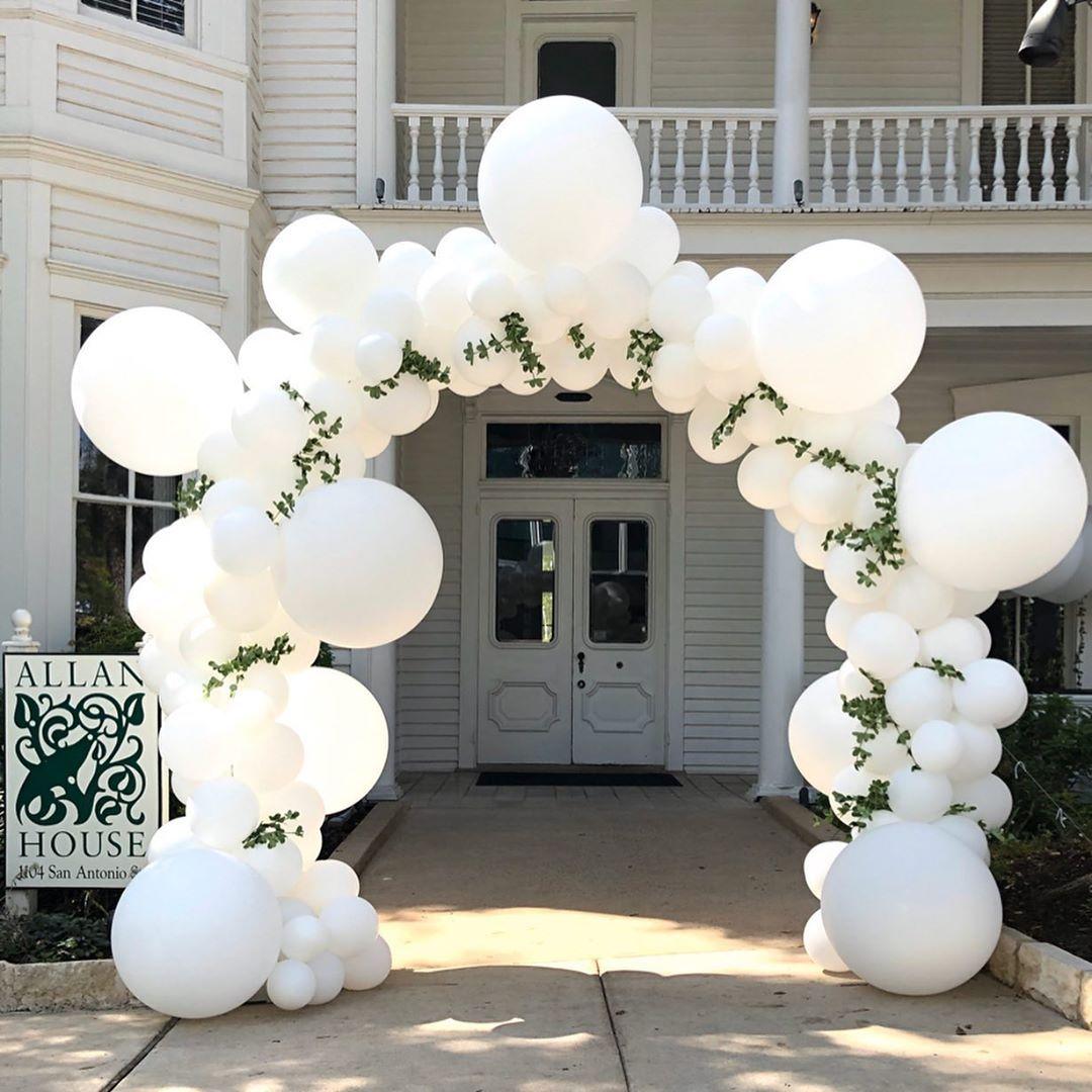 Let me help make your Wedding entrance white Bubble