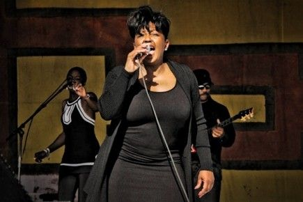 Arrest Warrant Issued For Singer Anita Baker- http://getmybuzzup.com/wp-content/uploads/2014/03/267220-thumb.jpg- http://getmybuzzup.com/arrest-warrant-issued-singer-anita-baker/- By Tank617 (Gossip-Grind News) Arrest Warrant Issued For Singer Anita Baker: An arrest warrant has been issued for r&b legend Anita Baker. Baker's latest legal issues originated from a lawsuit filed by Ray Smith Painting and Decorating, the company says that Baker stiffed them on more...-