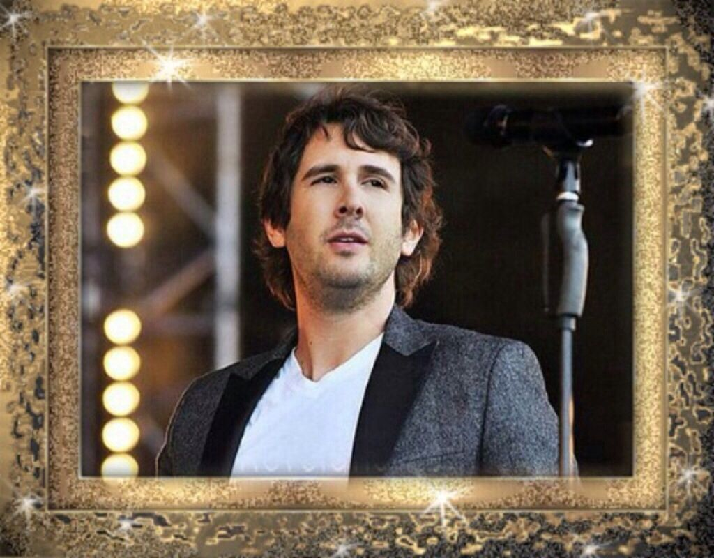 This man is just way to darn gorgeous!!!