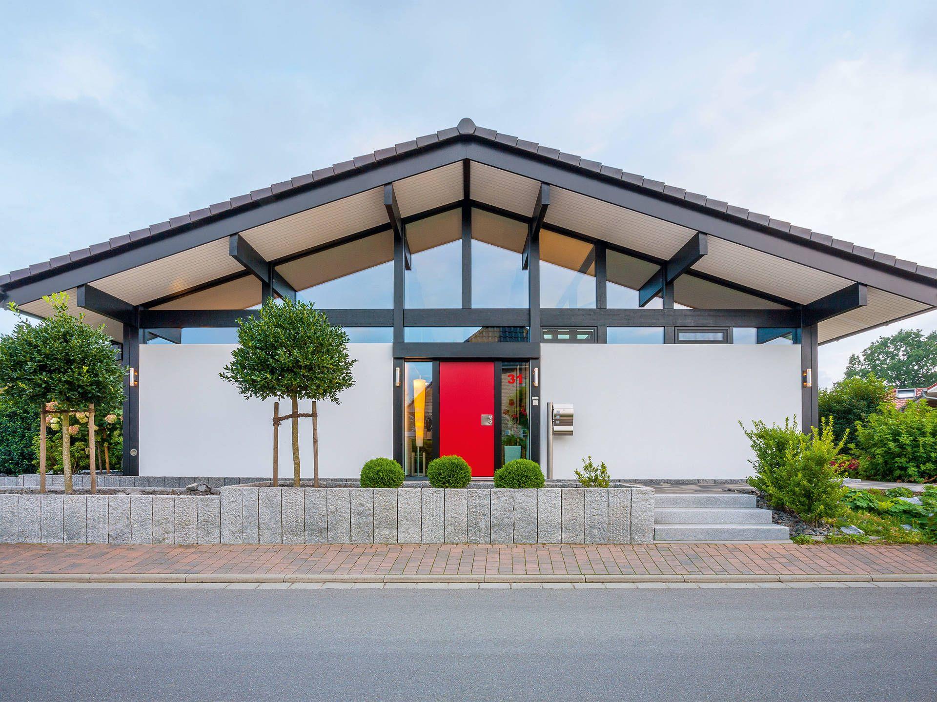 Musterhaus bungalow modern  Hauseingang vom ART 5 Bungalow von HUF Haus • Mit Musterhaus.net ...