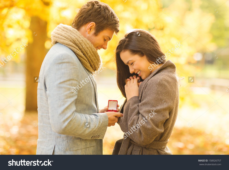 Den dating ring matchmaker