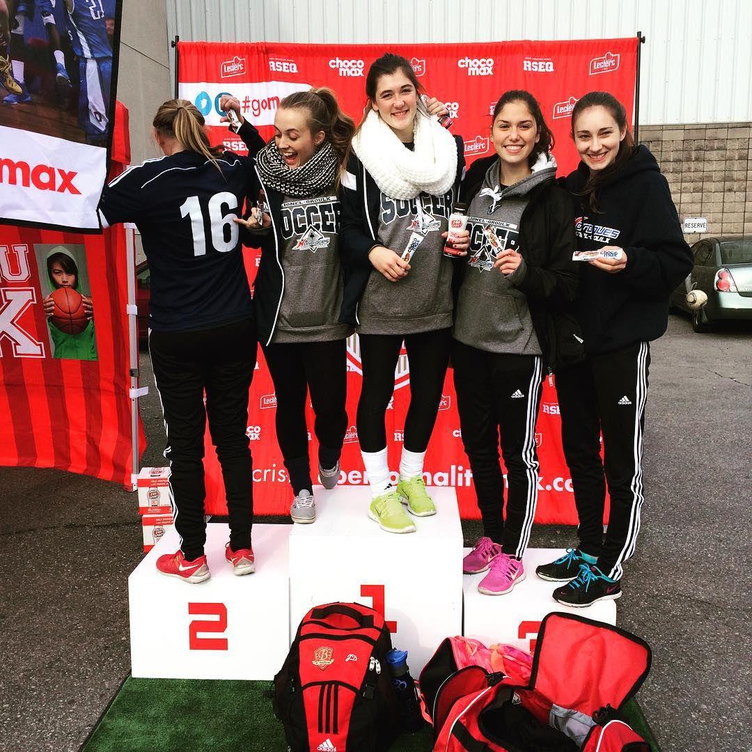 Au tour des filles de Lionel-Groulx de porter fièrement leurs couleurs! #GOMAX #RSEQnousmes1 #chocomax #soccer
