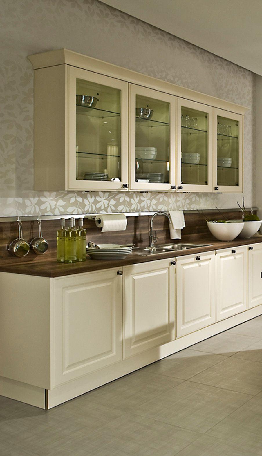 Idee von Küche&Co auf Magnolie Vanille bestimmt die