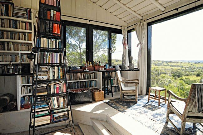 Reading with a view. Casa Vogue - Allex Colontonio