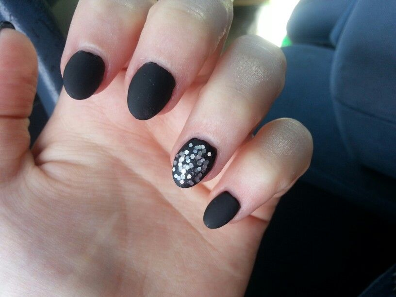 Matte black #almond shaped #nails with #glitter accent | Nail ...