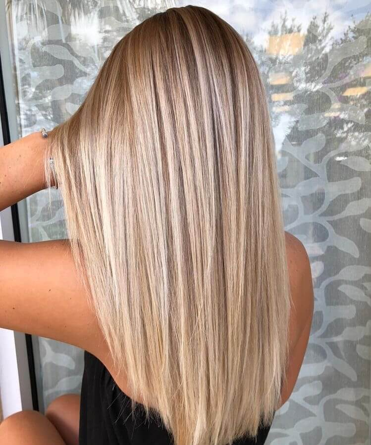 20 Charm Straight Hairstyles Ideas You Will Love In 2020 Straight Blonde Hair Medium Blonde Hair Blonde Hair Looks