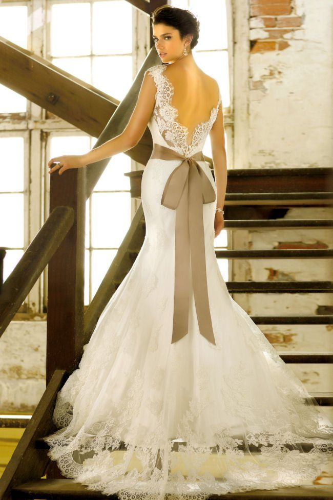 Dream Gowns by Essence of Australia, featured on hitched.co.uk