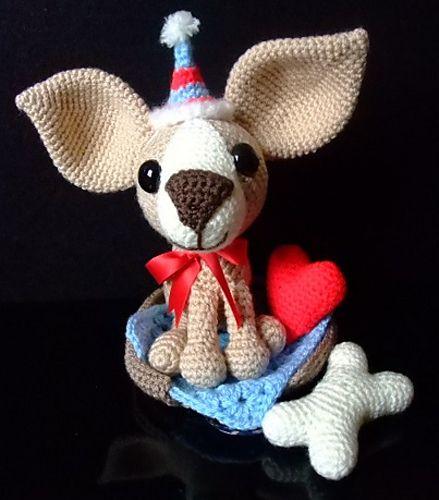 Chihuahua Crochet Dog Pattern Pattern By Liz Ward Heart Cushion