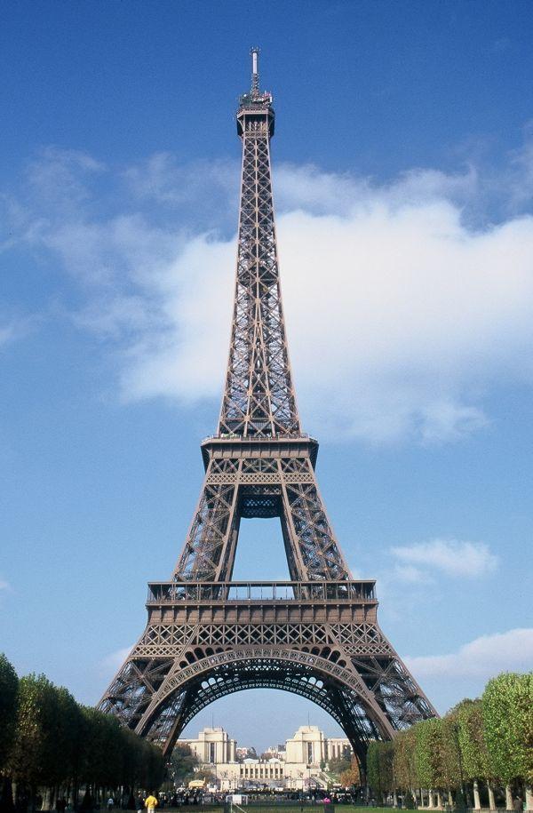 World Famous Architecture Buildings 20 amazing architecture landmarks around the world | famous