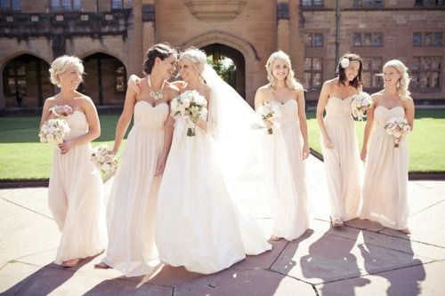 Nude bridesmaid dresses so pretty. Too long for Mexico but its a nice style