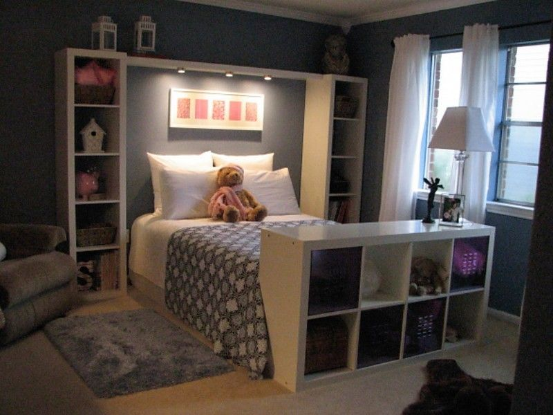 Bookshelves To Frame The Bed Bedroom Home Bedroom Home Home Decor Stunning Organizing A Small Bedroom