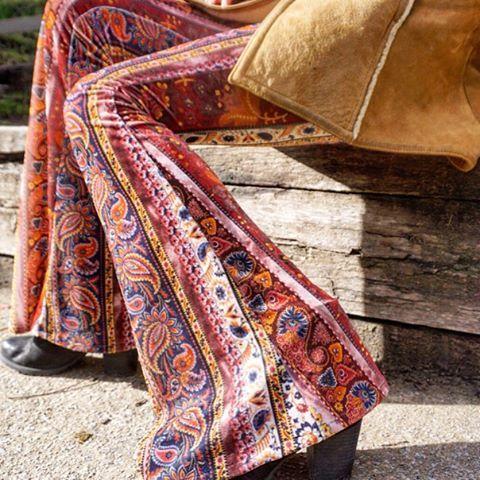 Saskia Velvet Paisley Bell Bottoms #flarestreet #flares #bellbottoms #bells #boho #bohemian #hippie #gypsydream #hippy #gypsy #velvetbellbottoms #velvetflares #velvet #saskia #seventies #70s #fashion #style #retro #vintage #etsyau #etsy #etsymelbourne #sixties #seventiesfashion