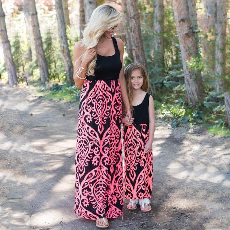 b0c6bd739 Matching mother-daughter paisley dress